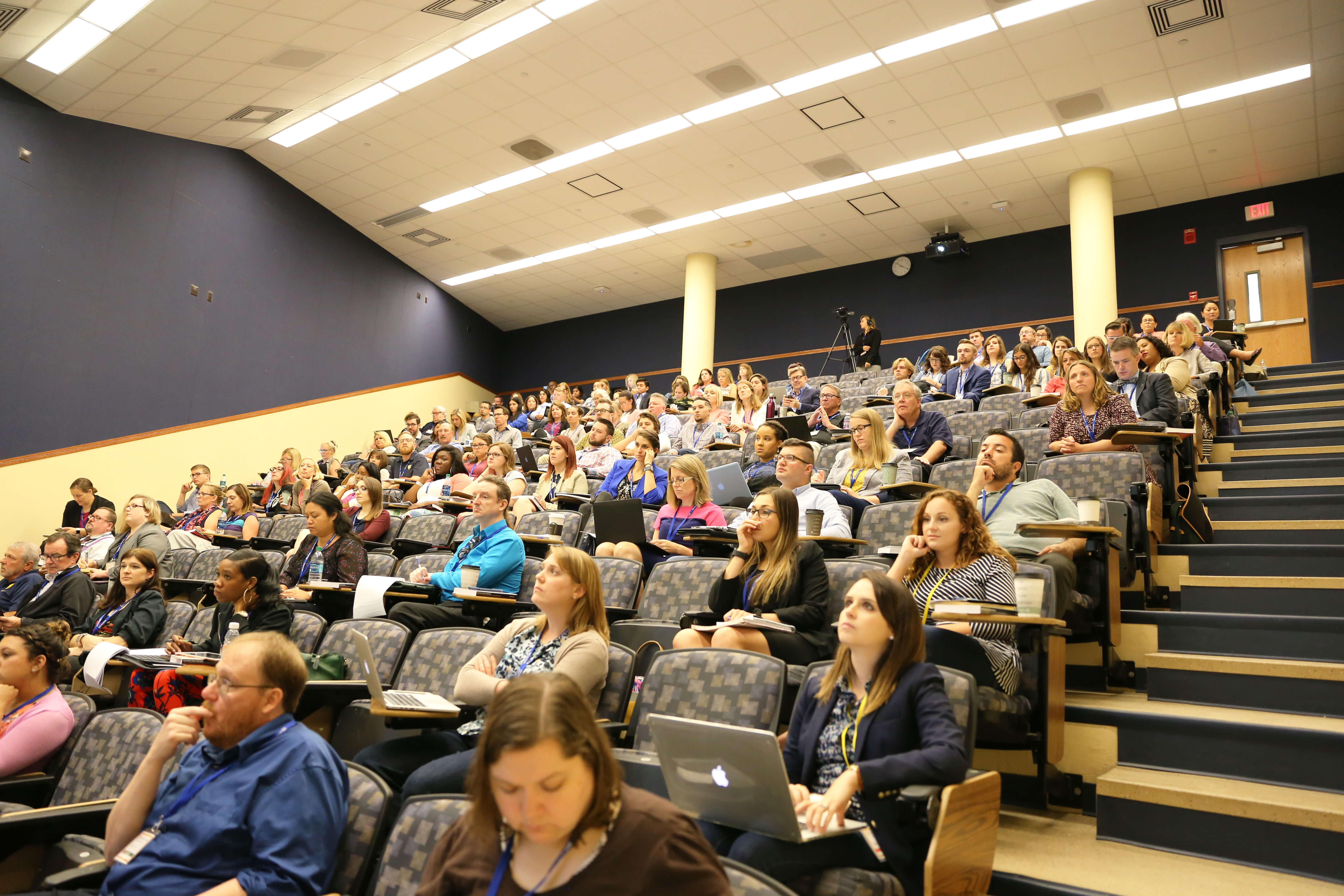 large-classroom-pic(1)